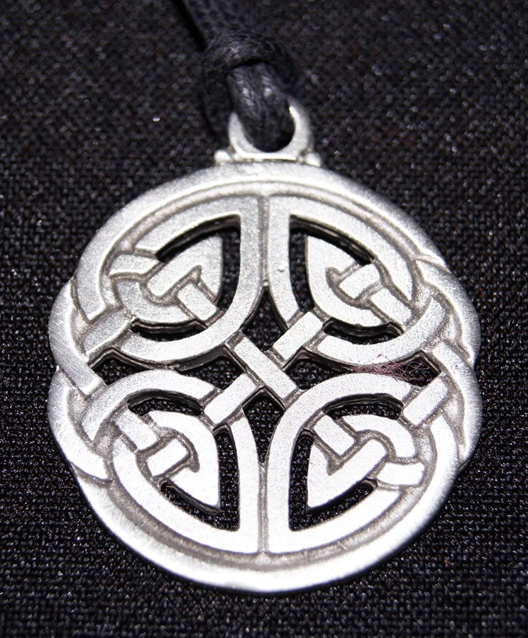 sterling and silver pendant diamond trinity yellow celtic knot gold